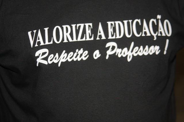 Resultado de imagem para respeite os professores